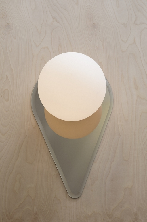 Vale sconce 4