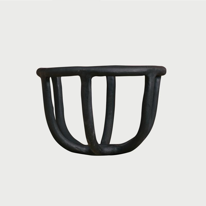 Moth fruit bowl matte black