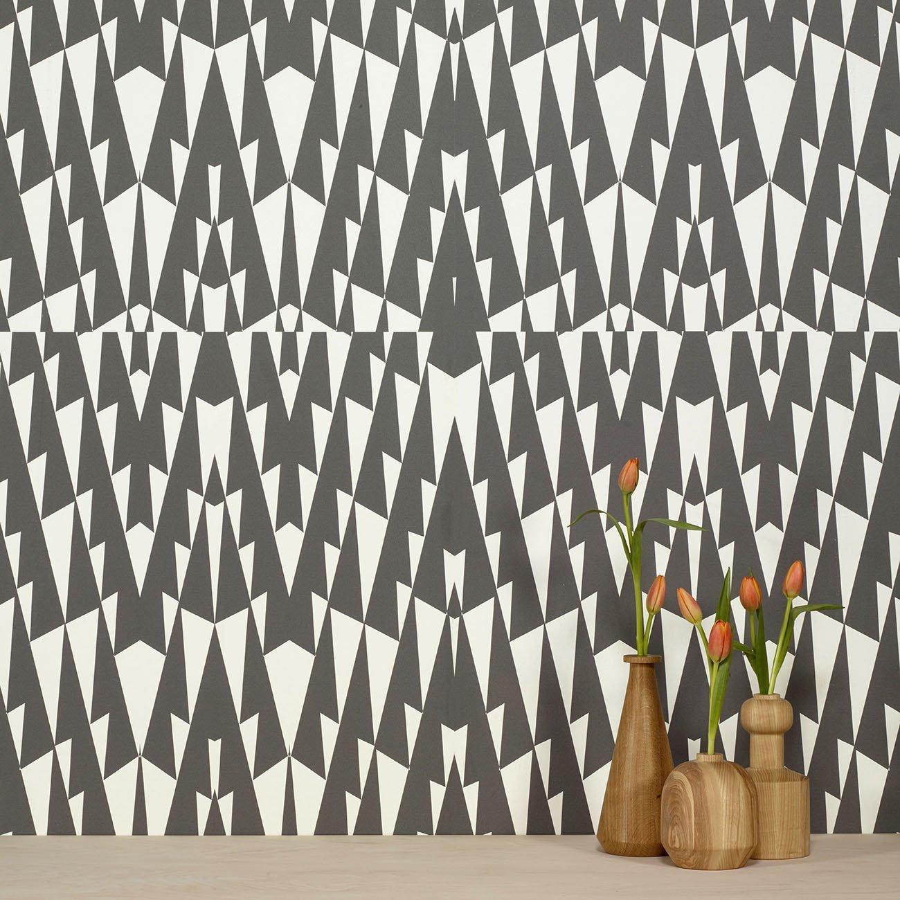 Wolfum triangle black wallpaper1