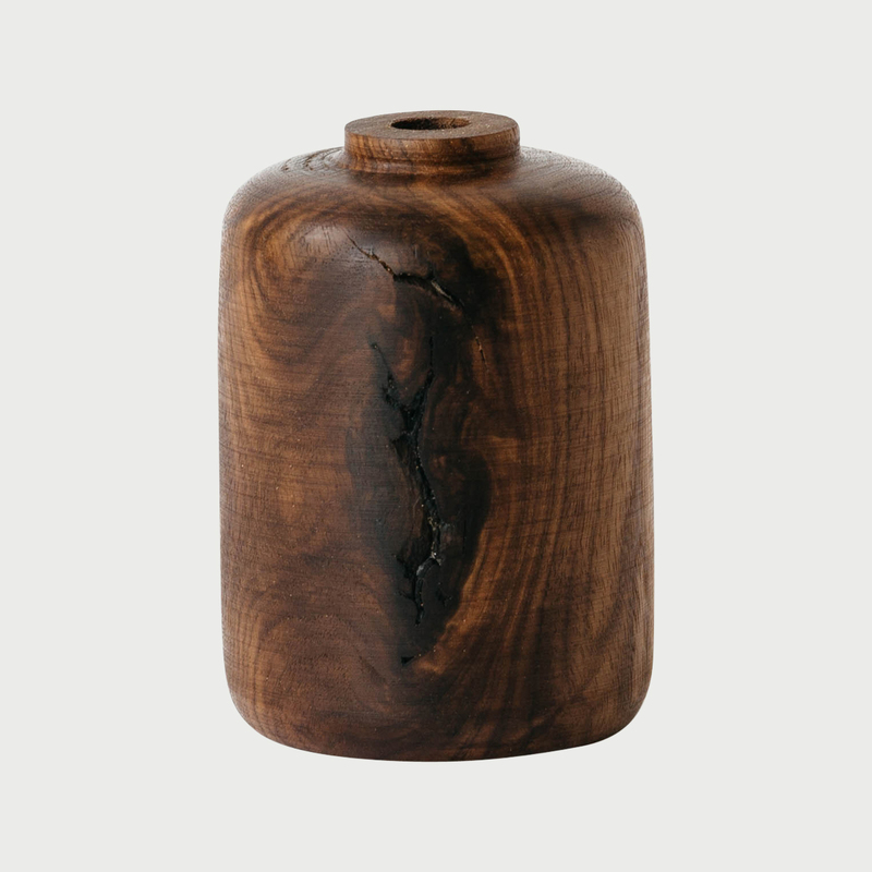 Walnut vase  e1a8290 edit