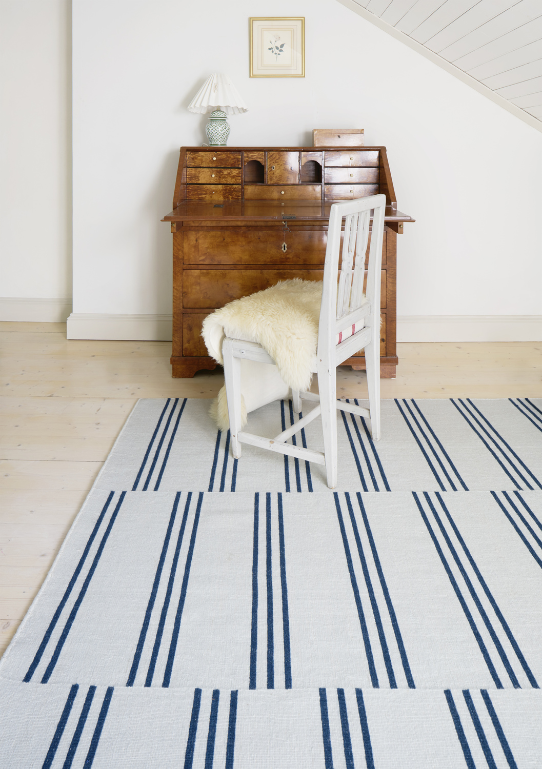 Ake stripes blue
