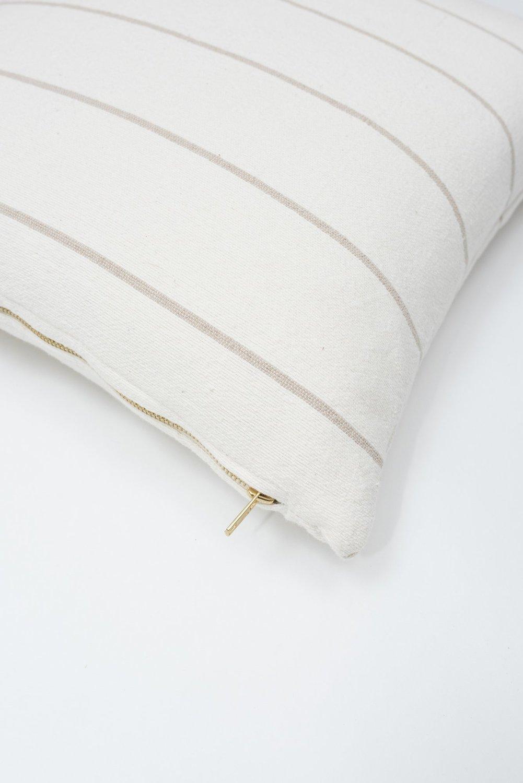 Czh   beige stripe pillow 2ap x2000