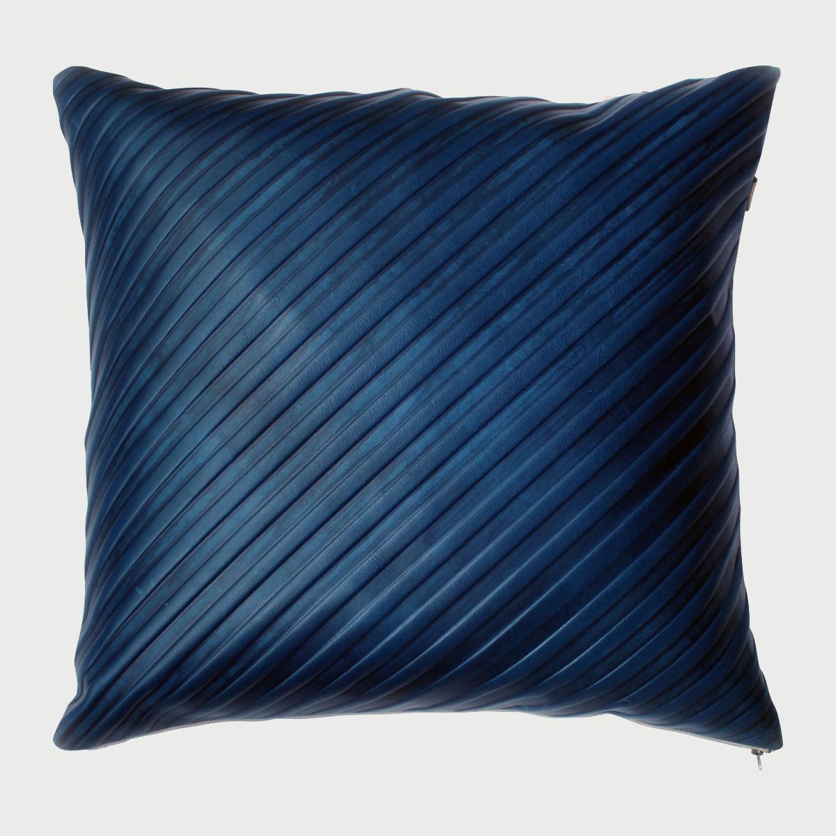Avo set stripe emboss pillow 22x22 blue