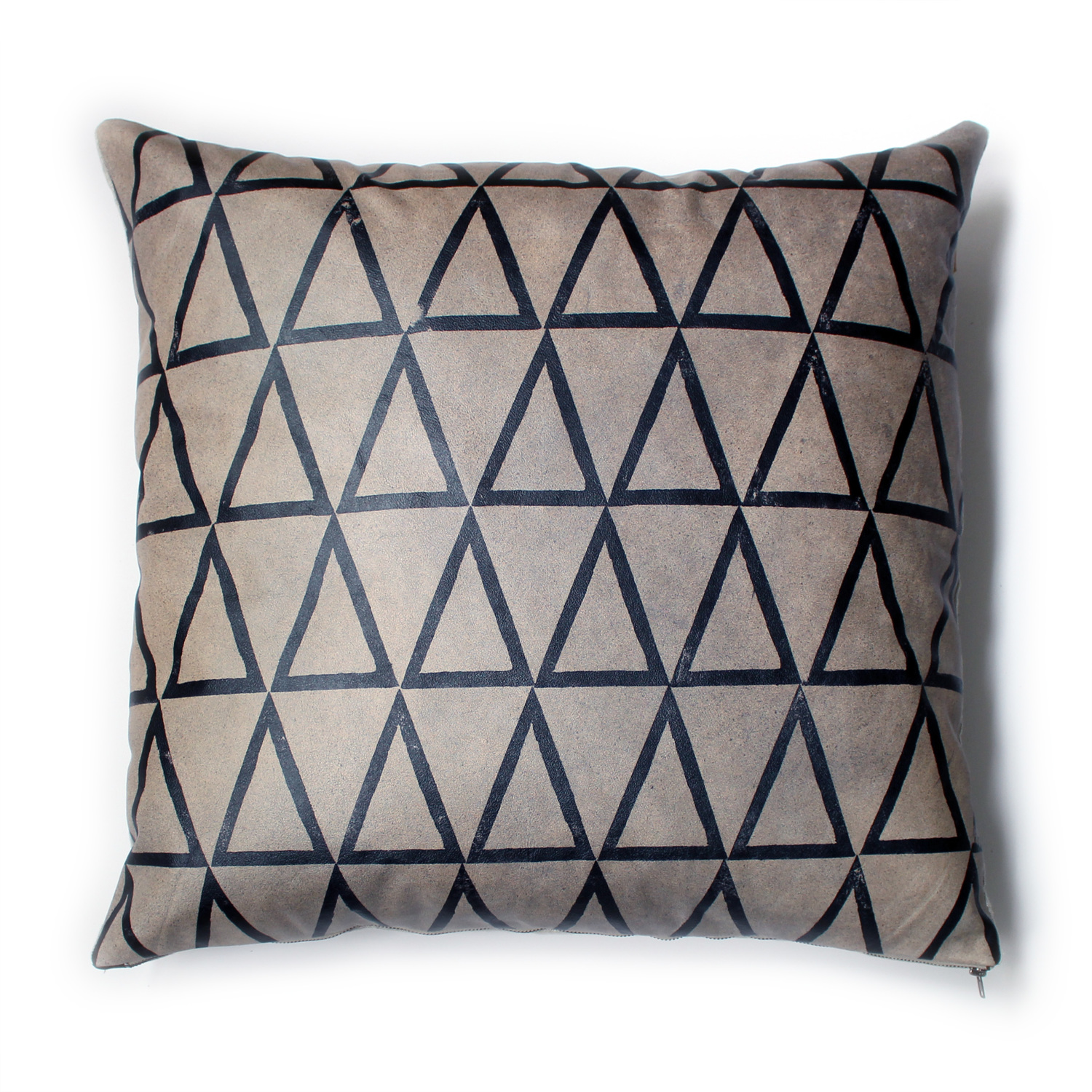 Avo slant triangle pillow 22x22 graphite