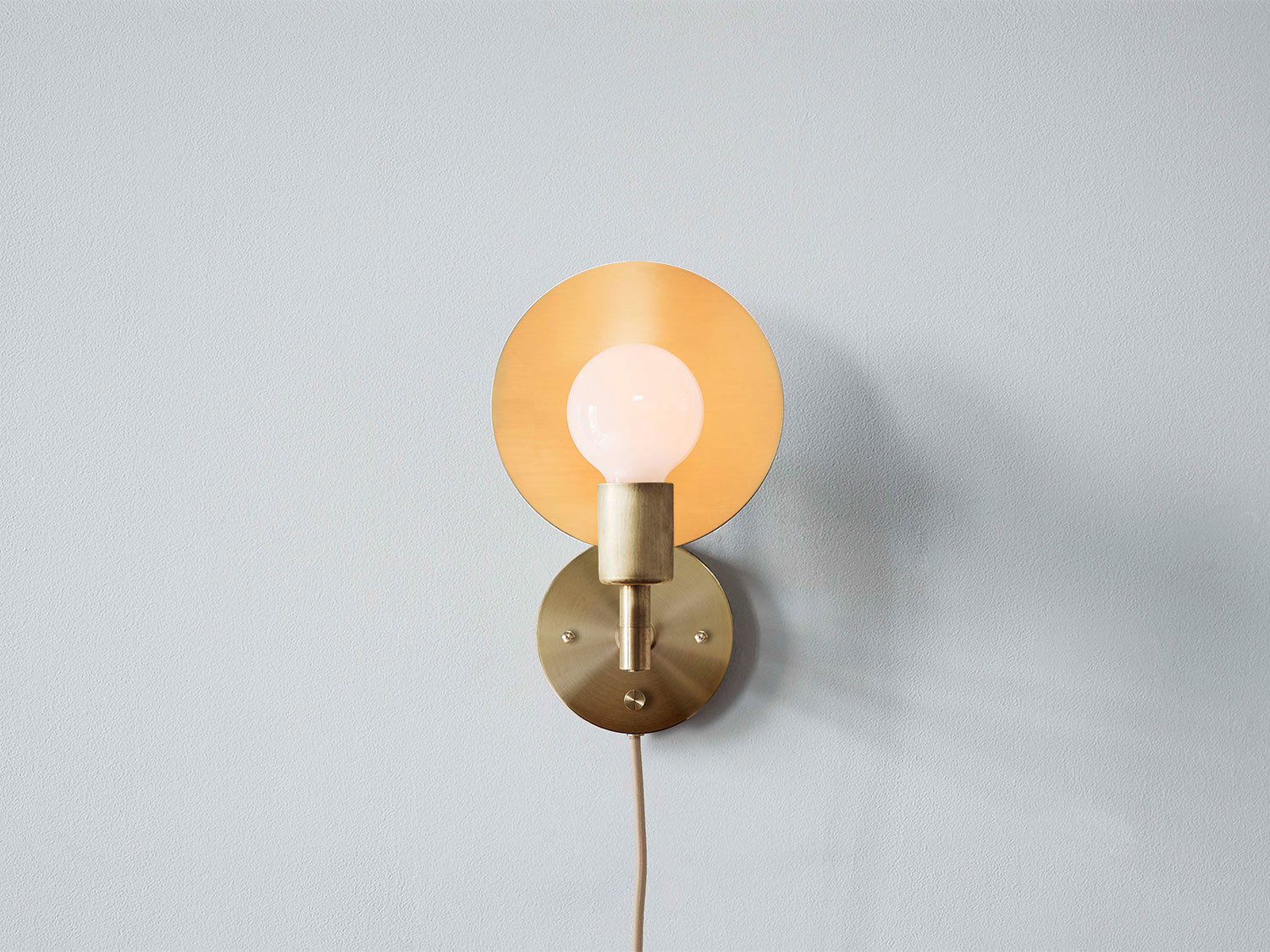 Sconce plug in front 1