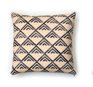Avo blockpoint pillow 22x22