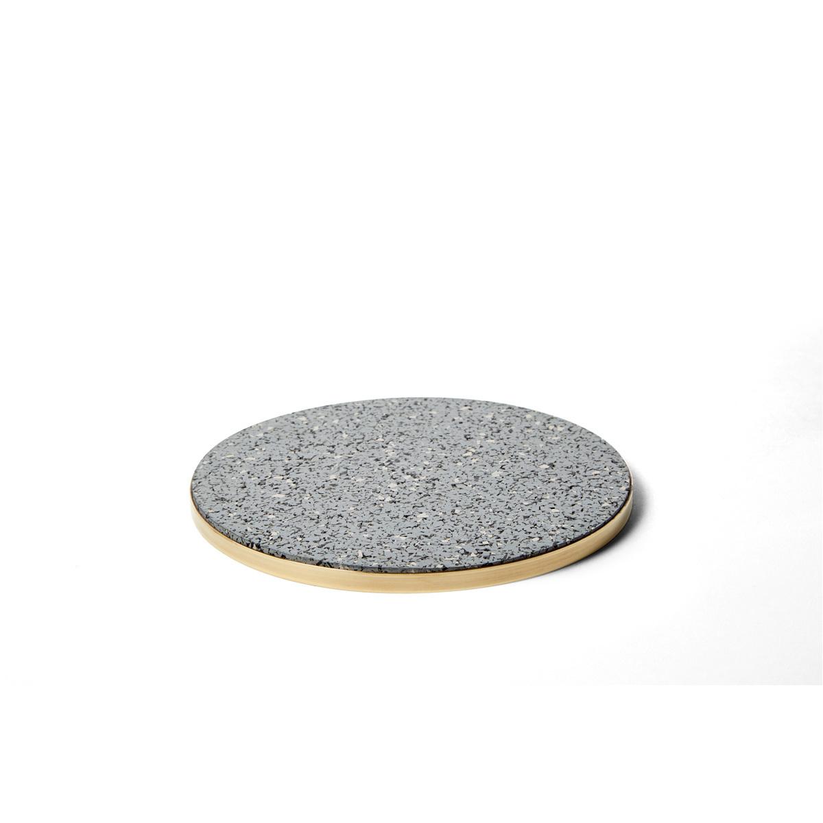 Brass rubber trivet gris slash objects web