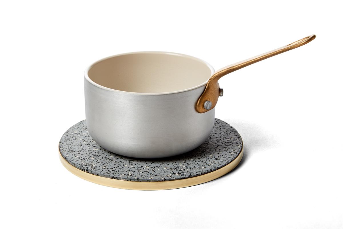 Brass rubber trivet gris pot slash objects web