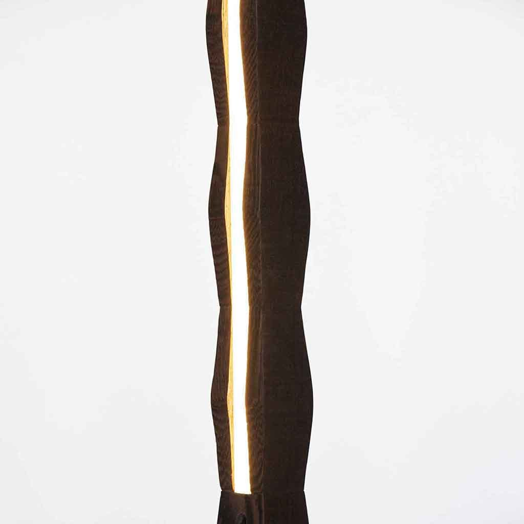 Columnlinelight wenge close up web jpg