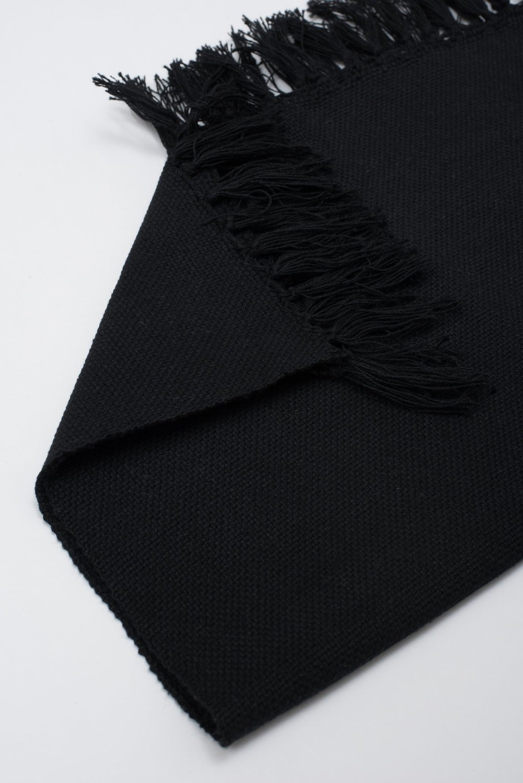 Czh   black woven placemat 3bn x2000