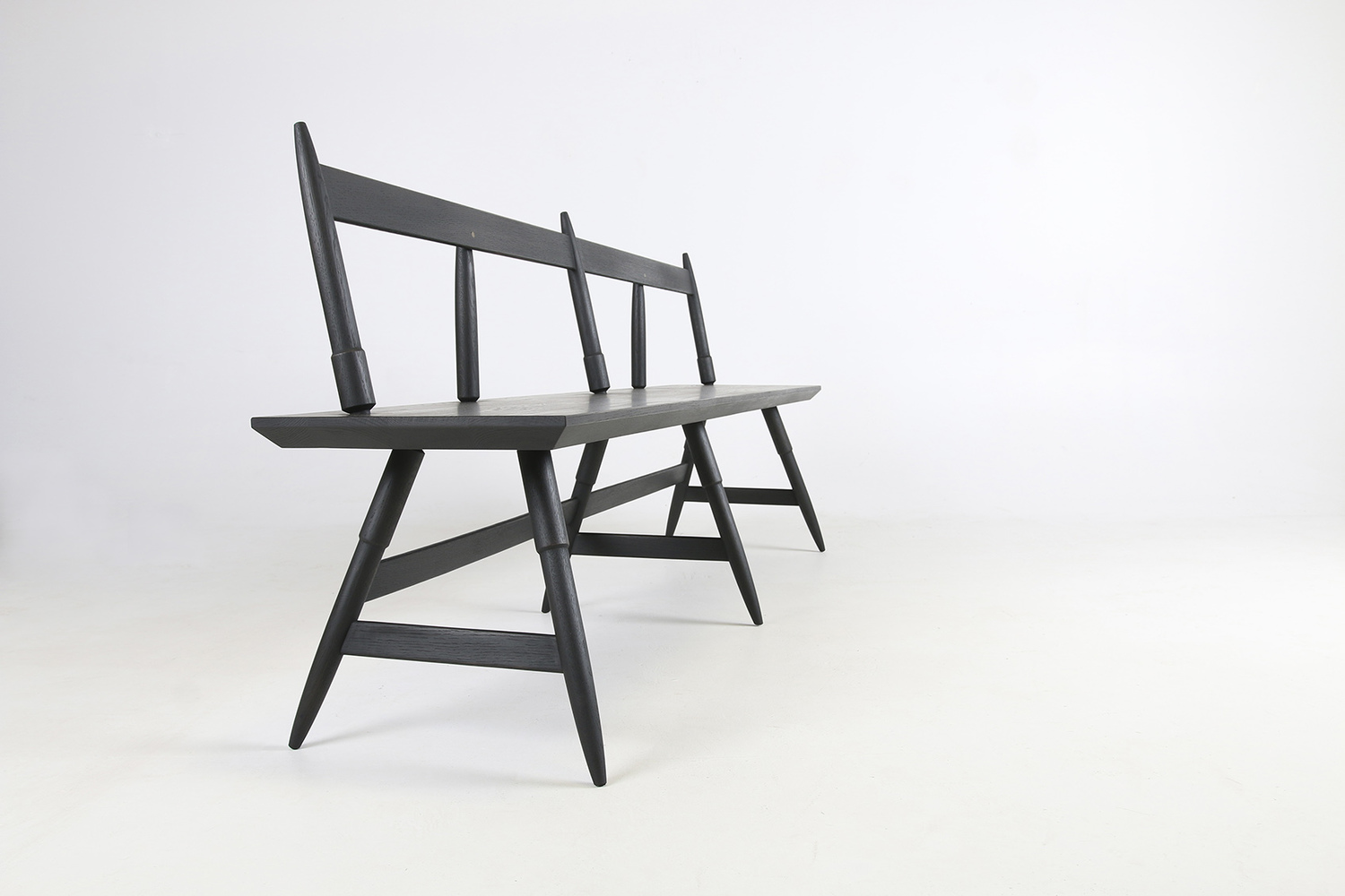Rockport bench 80 seasoned black side angle view studio dunn