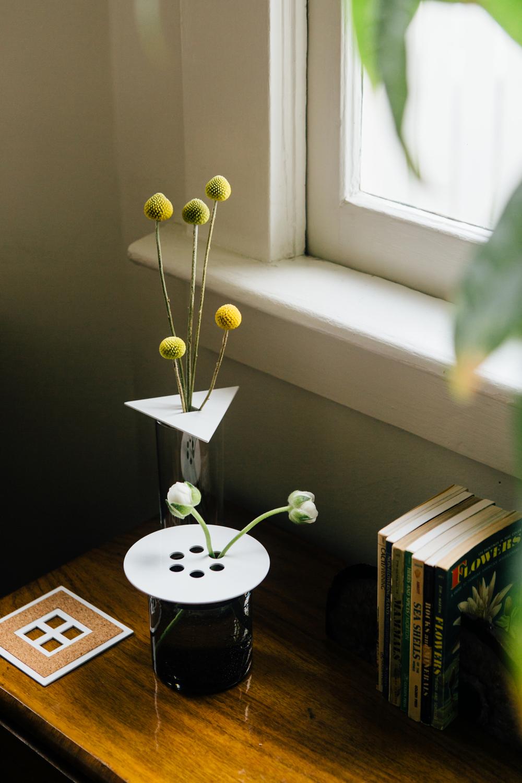 Anywhere vases white 02