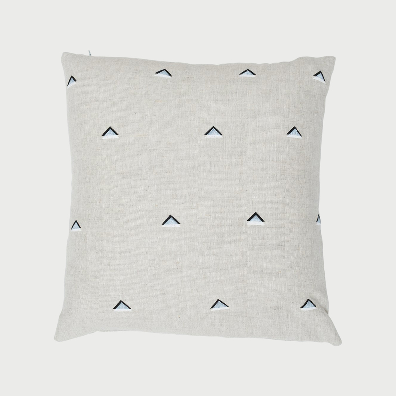 Czh   double triangle pillow 1aq x2000