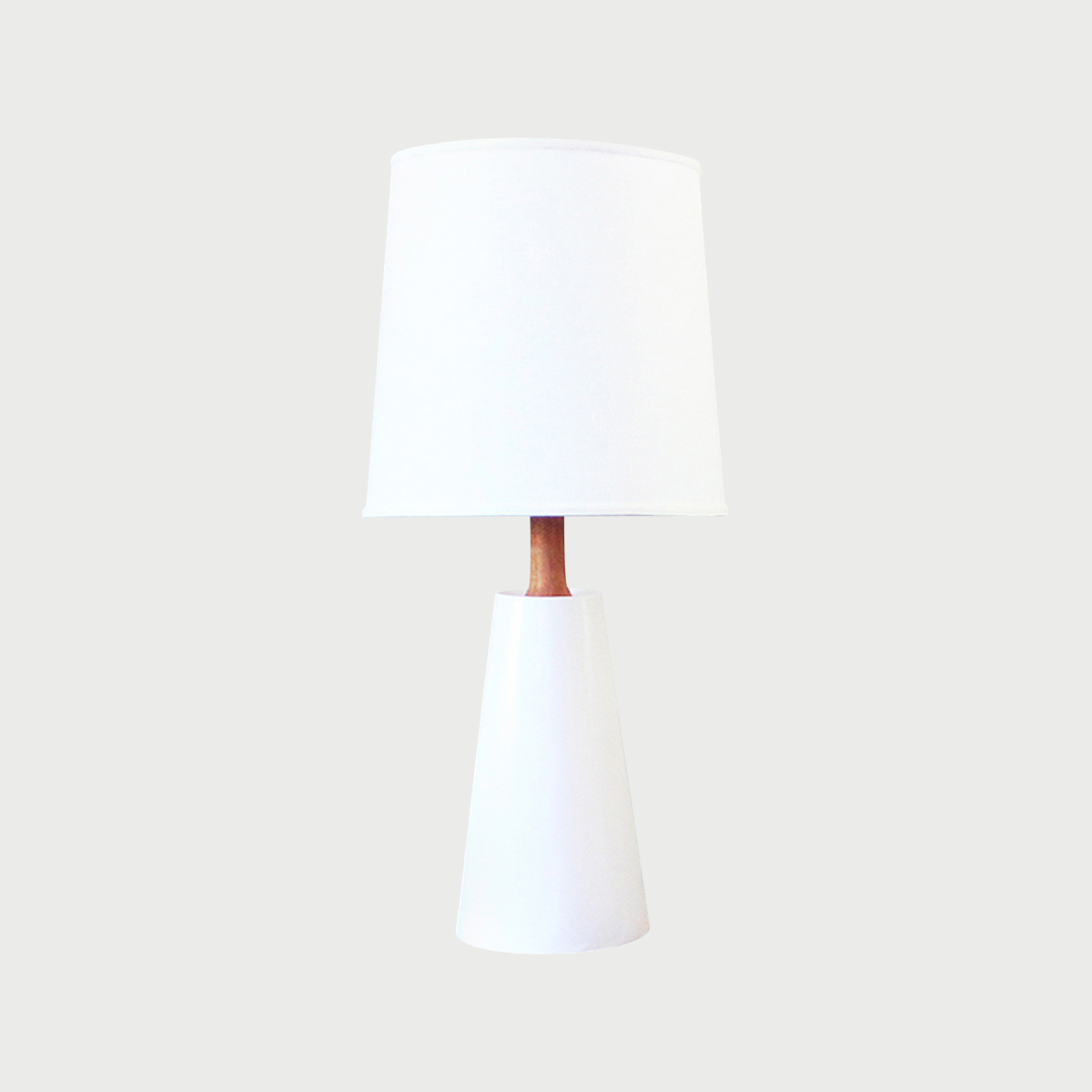 Cp   hawthorne lamp   white   location