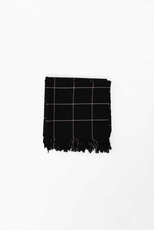 Black 180120 lowres 9 x2000