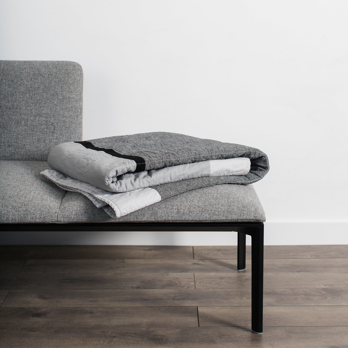 No.9 couch